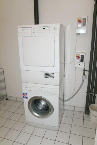 """Wasch-/Trockenraum"""